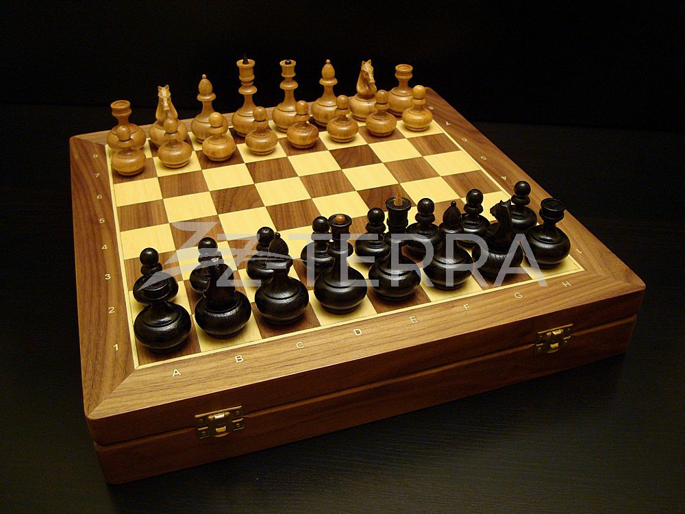 "Шахматы ""Триумф"" орех"